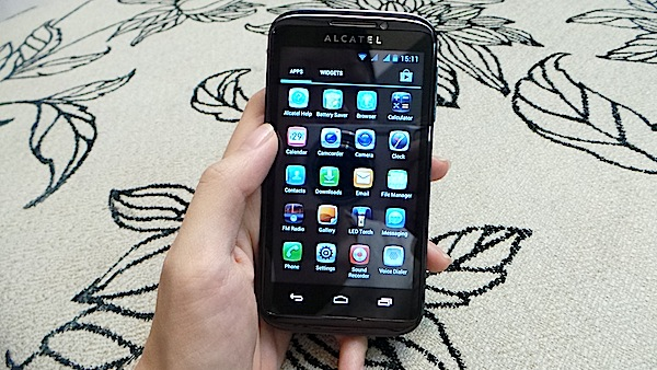 Alcatel One Touch 993D 8