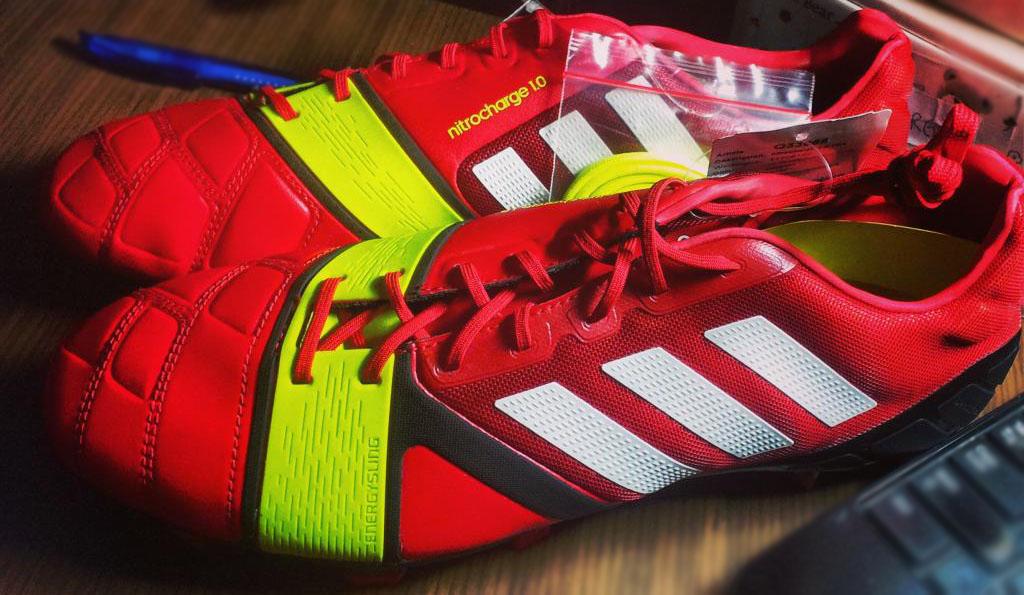 Adidas per il lancio di nuove serie di scarpe da calcio domani