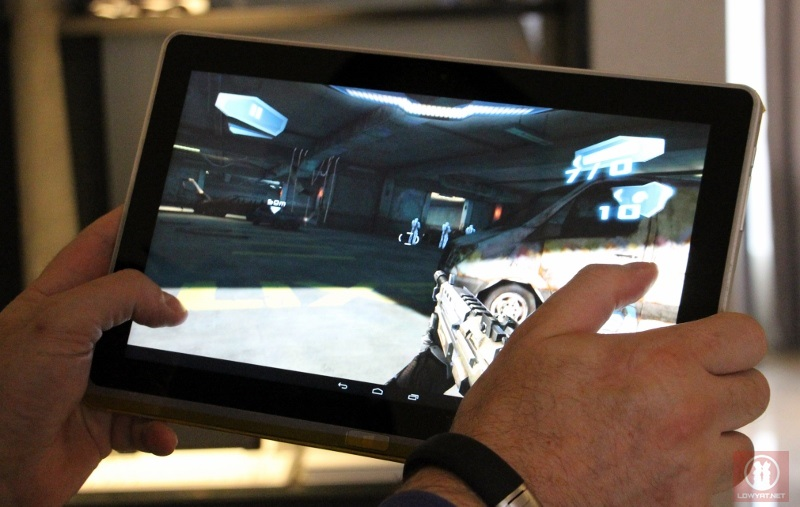 Intel Ivy Bridge Android Prototype Tablet