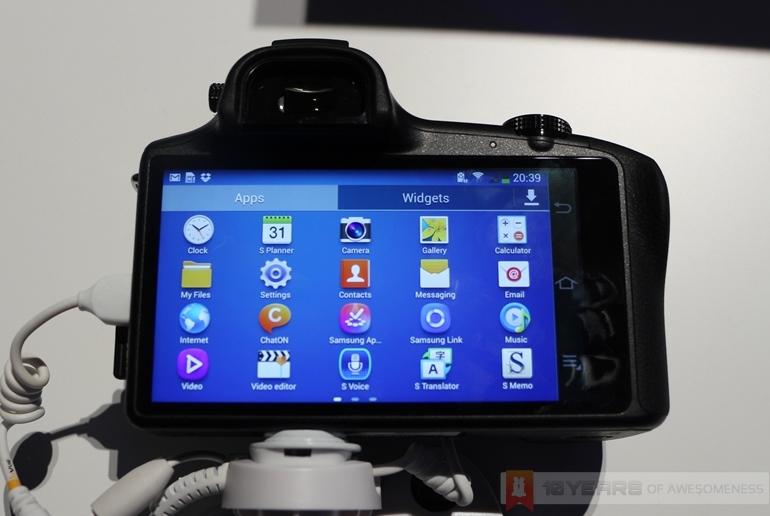 Samsung Merges Mobile Communications and Digital Imaging ...
