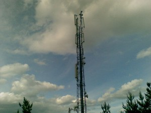 640px-Cell_tower