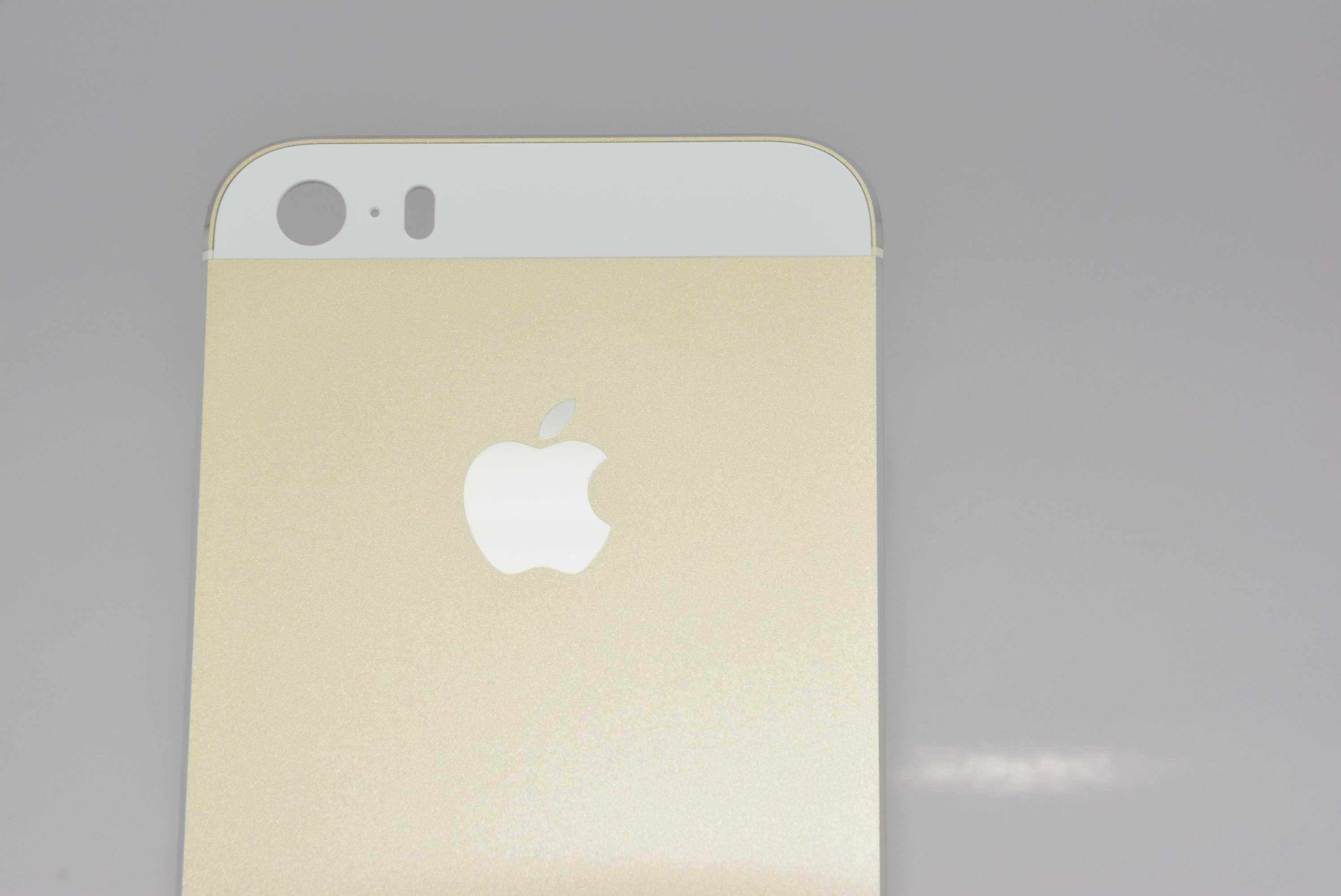 Gold iPhone 5S 7
