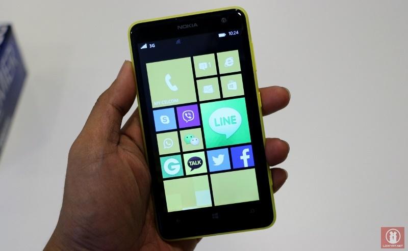 Nokia Lumia 625 01