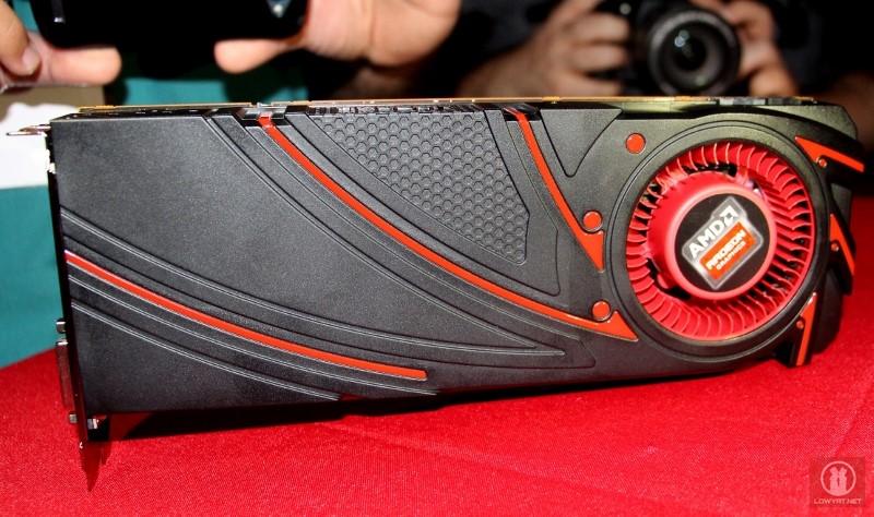 AMD Radeon R9-290X 01
