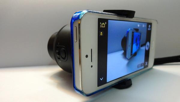 QX100 on iPhone 1