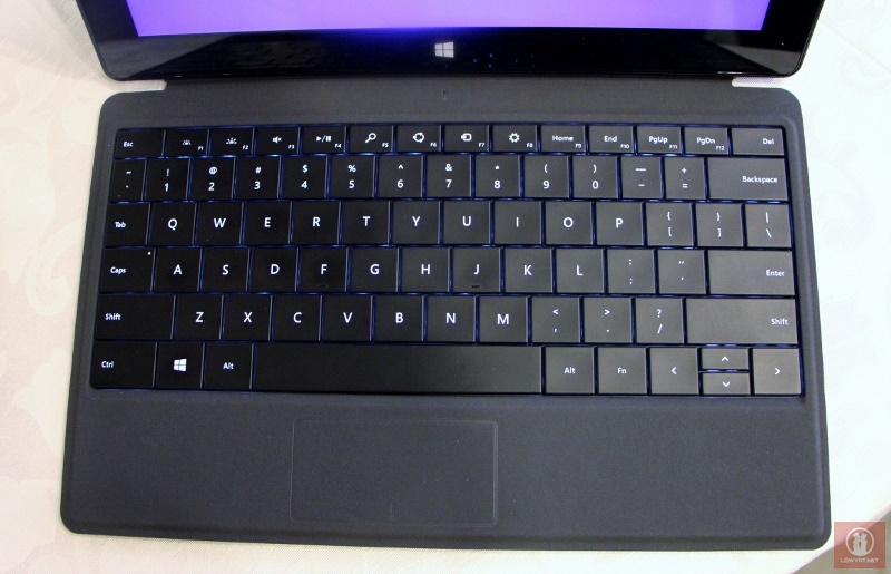 Type Cover 2 for Microsoft Surface 04