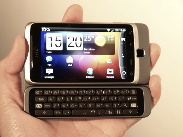 htc-desire-z-hands-on-review-12