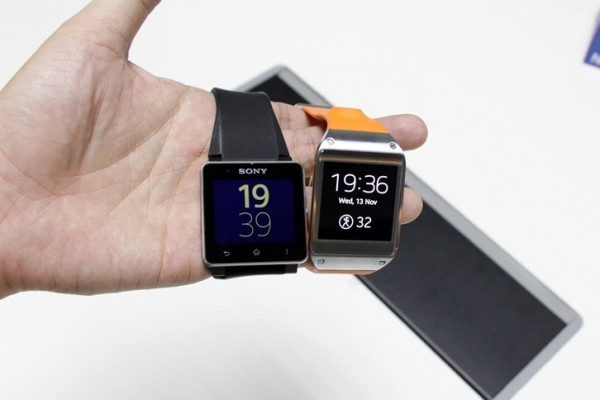 samsung-galaxy-gear-sony-smartwatch-2-1