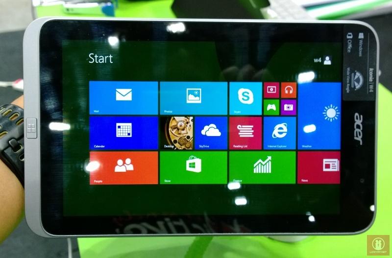 Acer W4 821 vô cùng nổi bật với màn hình mới