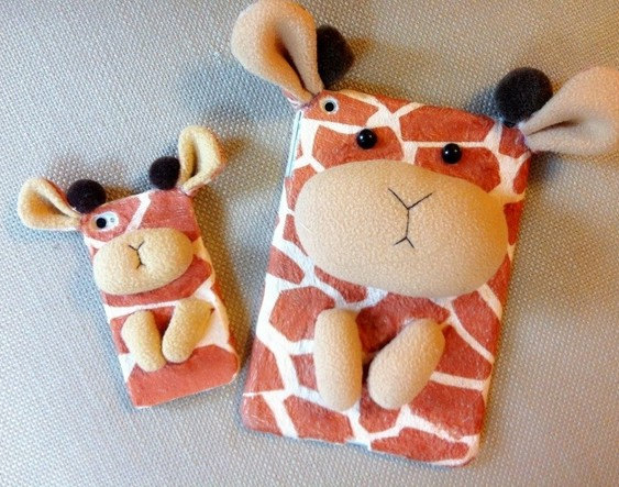11 Giraffe 3D iPad mini Case with matching iPhone Case