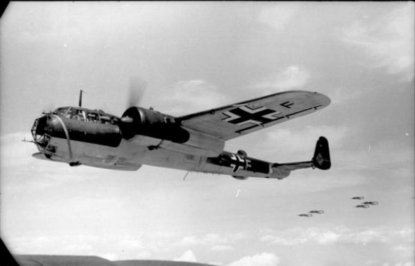 Frankreich, Flugzeug Dornier Do 17 Z