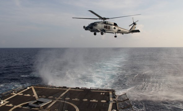 U.S. Navy SH-60R Seahawk of USS Pinckney in SAR Operation for MH370