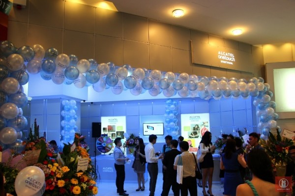 Alcatel One Touch Concept Store Plaza Low Yat 10