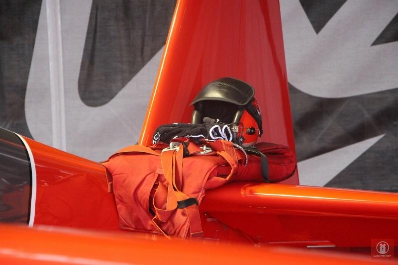 red bull air race pilots and crews