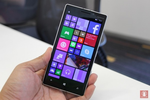Hands On Nokia Lumia 930 01