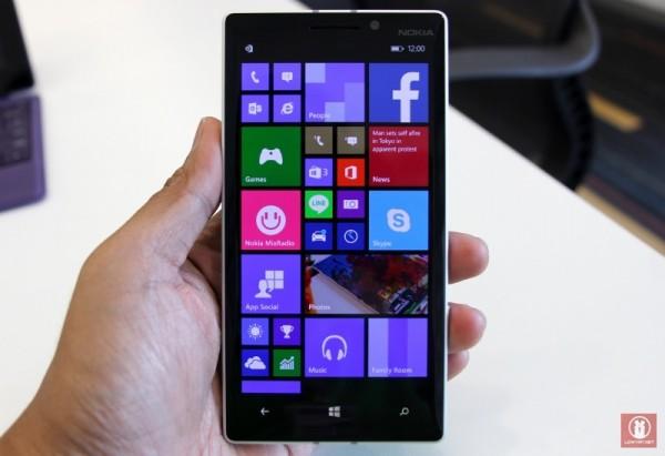 Hands On Nokia Lumia 930 11