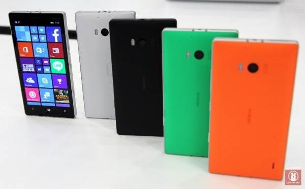 Hands On Nokia Lumia 930 30