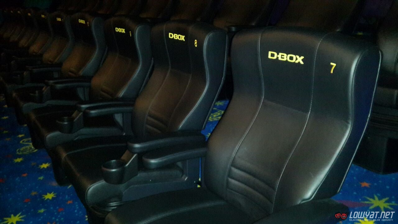d box motion seats arrive at golden screen cinemas 1 utama. Black Bedroom Furniture Sets. Home Design Ideas