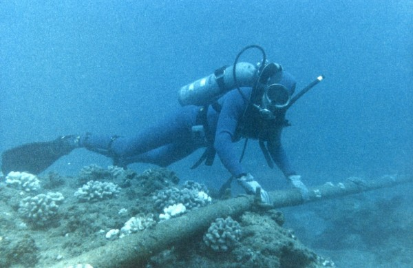 Undersea-fibre-optic-cables