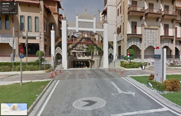google-maps-street-view-hotel-parking
