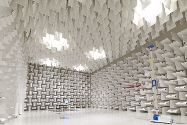 panasonic-toughbook-Radio-frequency_anechoic_chamber_01