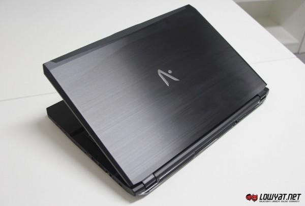 Aftershock S-15 Gaming Laptop 01