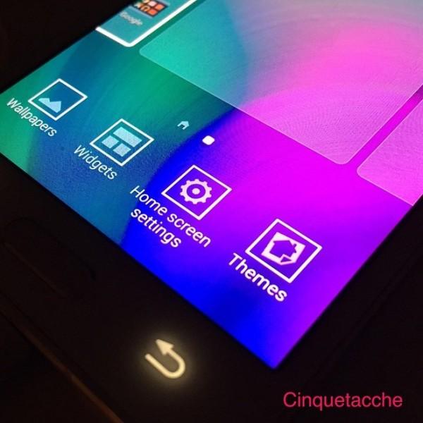 Samsung Themes on TouchWiz