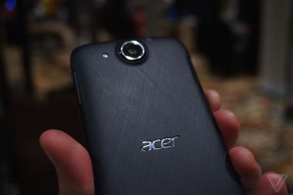Acer Liquid Jade S Back