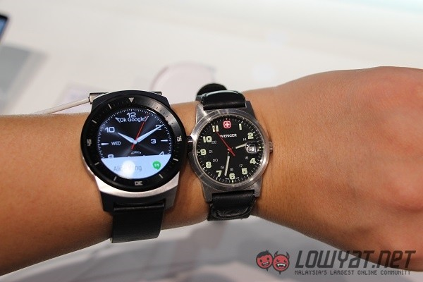 g-watch-r-hands-on-2