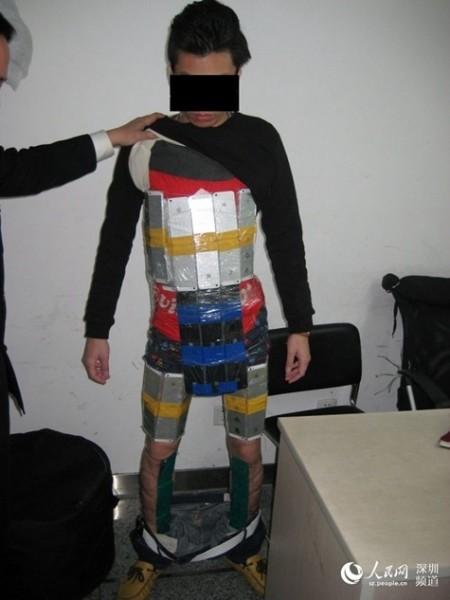 iphone-smuggle-strap-1