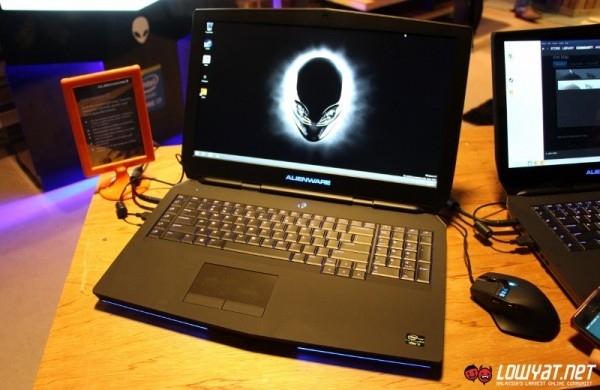 2015 Alienware 17 Gaming Laptop Hands On 01