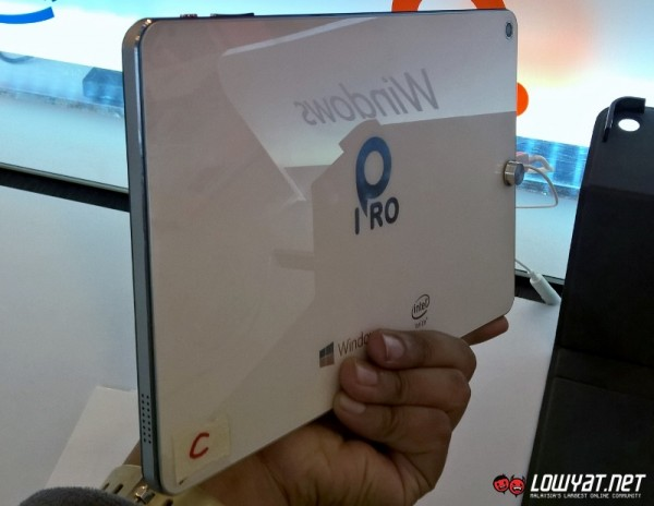 IPRO Livepad 8.9 Windows 8.1 Tablet 02