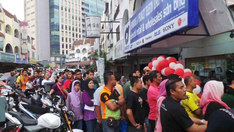 Directd mega store opens on 30 march said to be the largest mobile directd store ss15 subang jaya sciox Choice Image