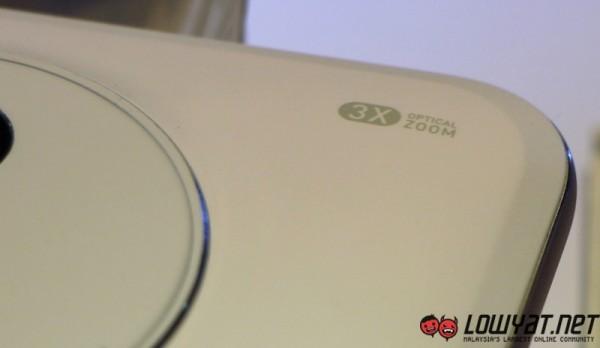 ASUS Zenfone Zoom MWC 2015 06