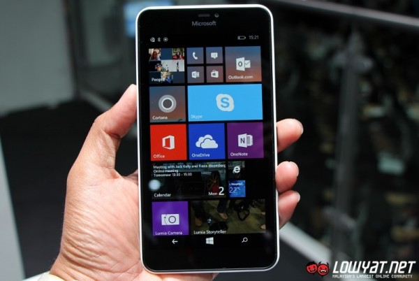 Microsoft Lumia 640 XL Hands On 02