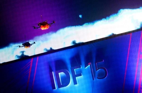 IDF-Shenzhen-2015_QuadcopterSwarm_1