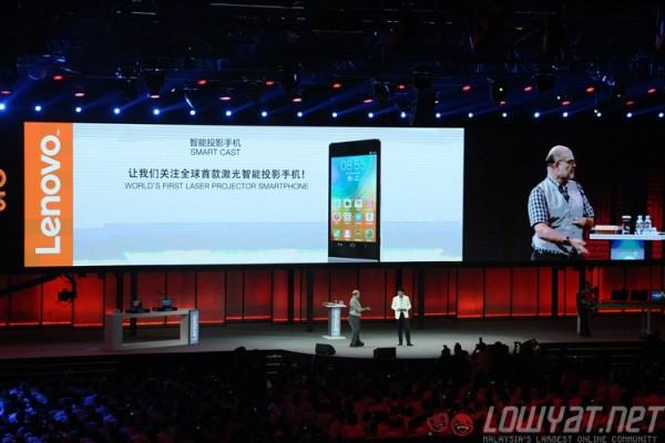 lenovo-magic-cast-concept-projector-smartphone-4