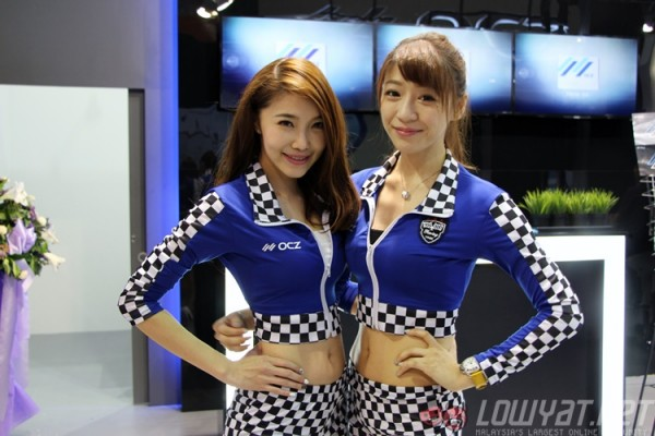 computex-2015-booth-babes-13