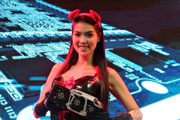 computex-2015-booth-babes-20
