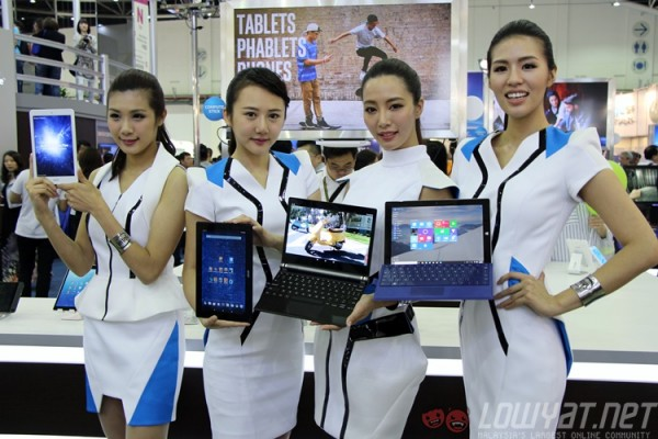 computex-2015-booth-babes-9