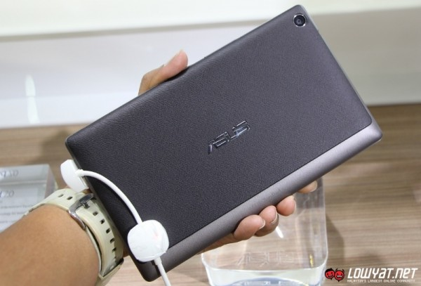 ASUS ZenPad 7.0 Hands On 08