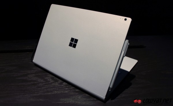 Microsoft Surface Book Hands On 11