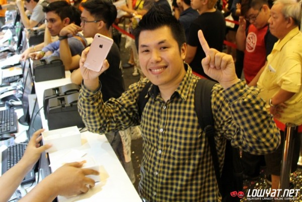 U Mobile iPhone 6s Launch 07