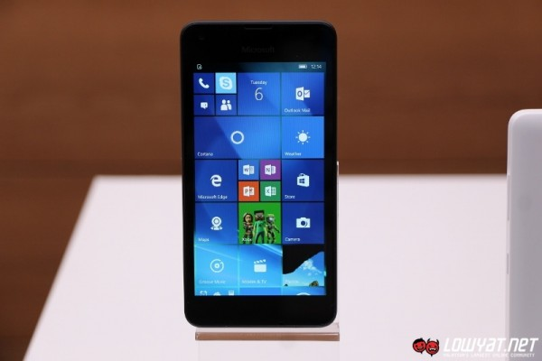 Microsoft Lumia 550 Eyes On 02