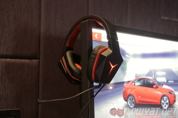 lenovo-y-gaming-surround-sound-headset-1