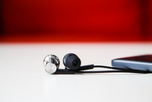 xiaomi-hybrid-earphones3