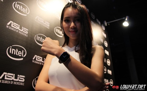 ASUS ZenWatch 2 at ASUS ZenFone Zoom Malaysian Launch