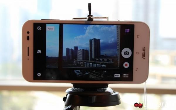 ASUS ZenFone Zoom Hands-On 03