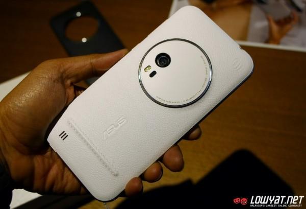 ASUS ZenFone Zoom Hands-On 15