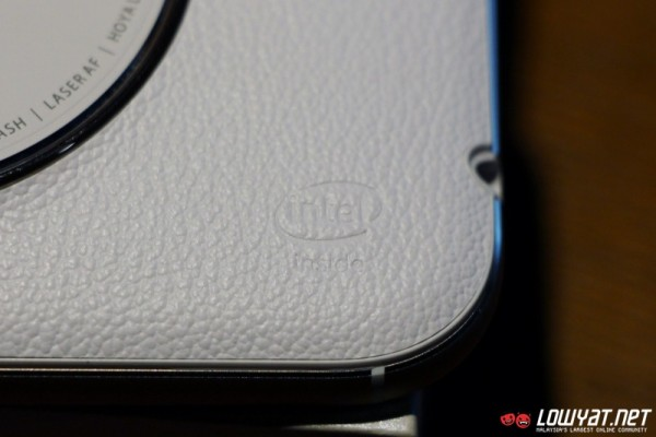 ASUS ZenFone Zoom Hands-On 17